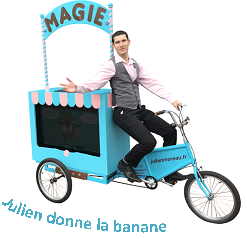 Triporteur du magicien Julien MOREAU à l'un de ses spectacles enfants à Pontoise (Val d'Oise - 95), proche de Paris